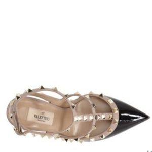 Valentino Garavani Shoes - VALENTINO GARAVANI ROCKSTUD T-STRAP PUMPS